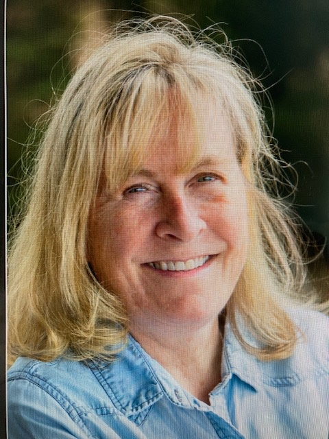 Tracey L. Knutson's Headshot